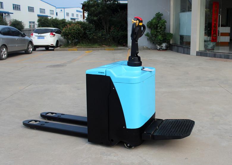 电动托盘搬运车充电注意事项和方法