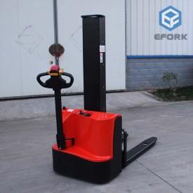 单立柱电动堆高车