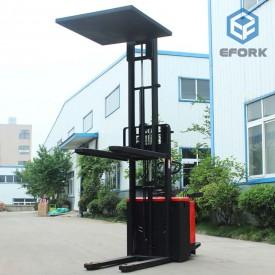 加装载货稳定器电动堆高车